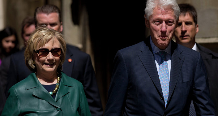 Hillary a Bill Clintonové