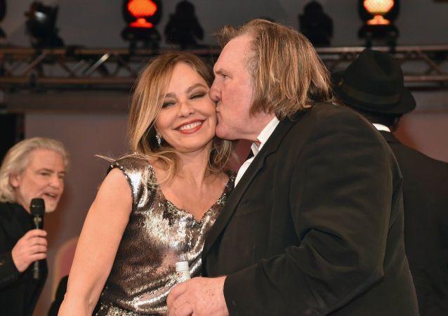 Ornella Mutiová a Gérard Depardieu