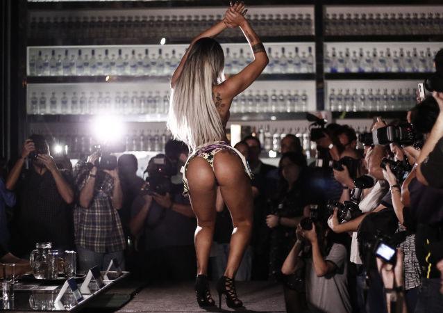 Účastnice soutěže Miss Bum Bum. Ilustrační foto