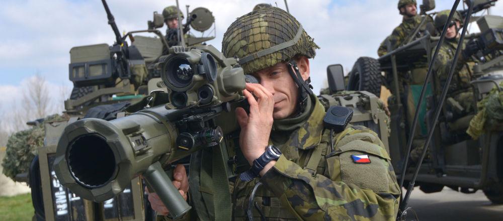 Vojáci české armády během cvičení NATO. Ilustrační foto
