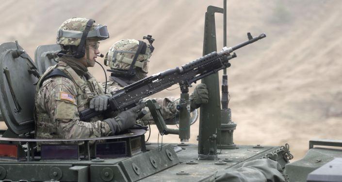Američtí vojáci během cvičení v Lotyšsku. Archivní foto
