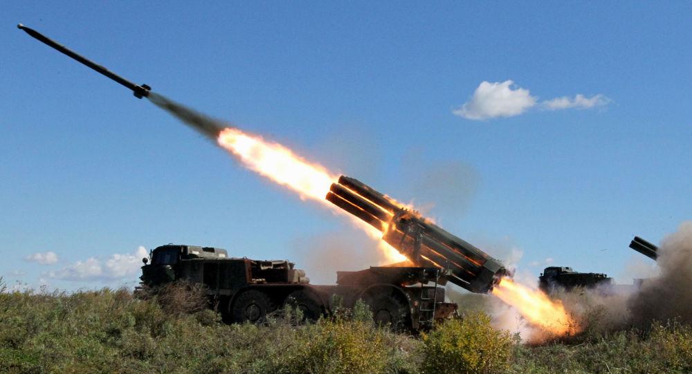 Samohybný raketomet BM-27 Uragan