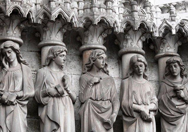 Sochy katolických svátých