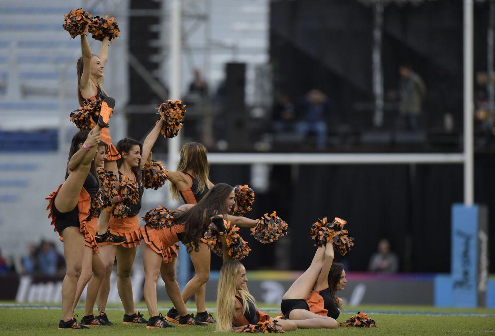 Roztleskávačky  na ragbyovém zápasu v Argentině
