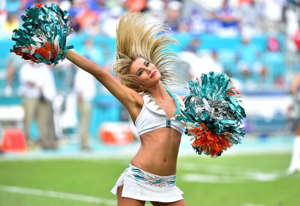 Roztleskávačka  týmu Miami Dolphins