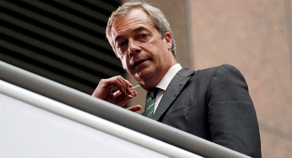 Bývalý lídr britské Strany nezávislosti (UKIP), europoslanec Nigel Farage.