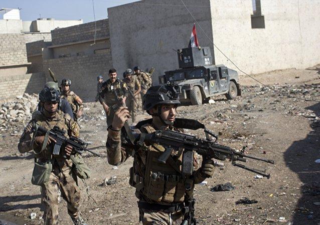 Iračtí vojáci v Mosulu