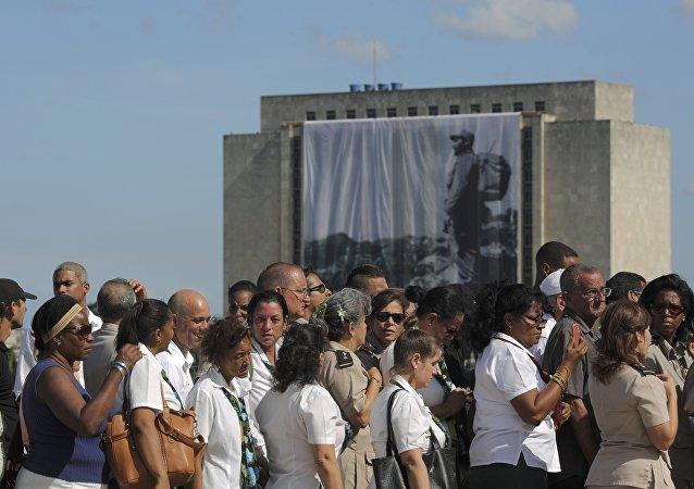Rozloučení s Fidelem. Havana