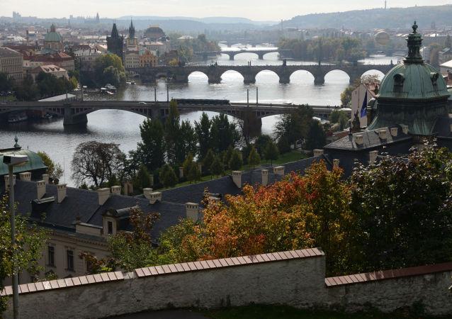 Pražáci si nejvíce přejí levnější byty a dostavbu Městského a Pražského okruhu