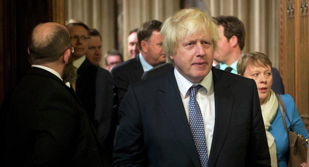 Britského premiéra Johnsona převezli na JIP
