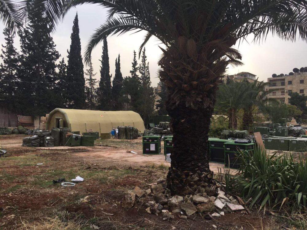 Spáleniště na místě ruské nemocnice v Aleppu