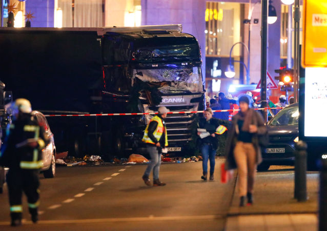 Policie na místě útoku v Berlíně