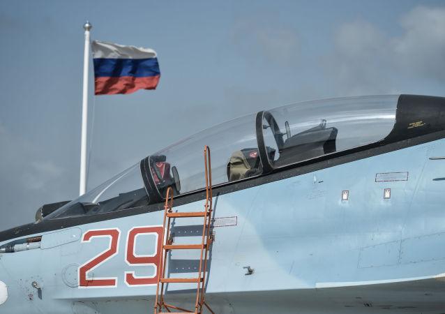 Stíhačka Su-30SM na základně Hmeimim