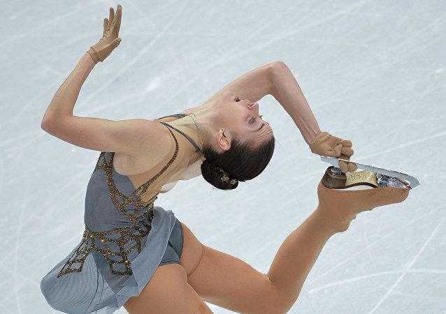 Angelina Sotnikova durante a sua apresentação nas Olimpíadas 2014 em Sochi