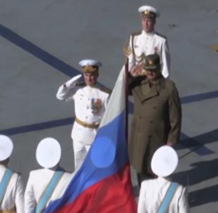 Libyjský maršál Khalifa Haftar navštívil letadlovou loď Admirál Kuzněcov