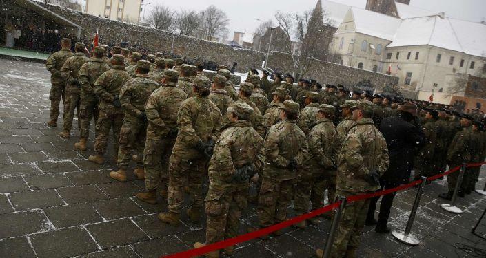 Slavnostní ceremoniál uvítání amerických vojáků v Polsku