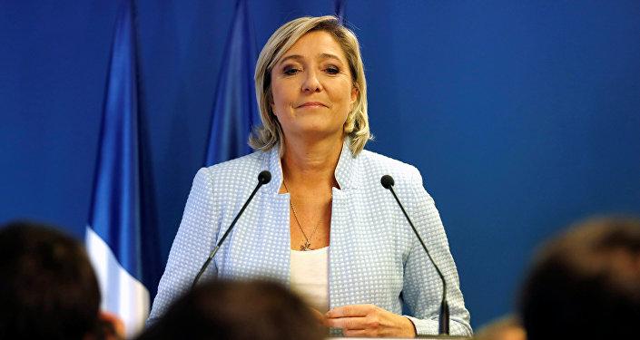 Francouzská prezidentská kandidátka strany Národní fronty Marine Le Penová