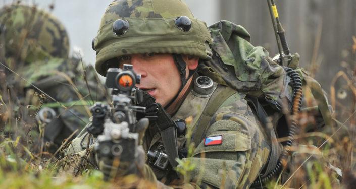 Český voják na mezinárodním vojenském cvičení