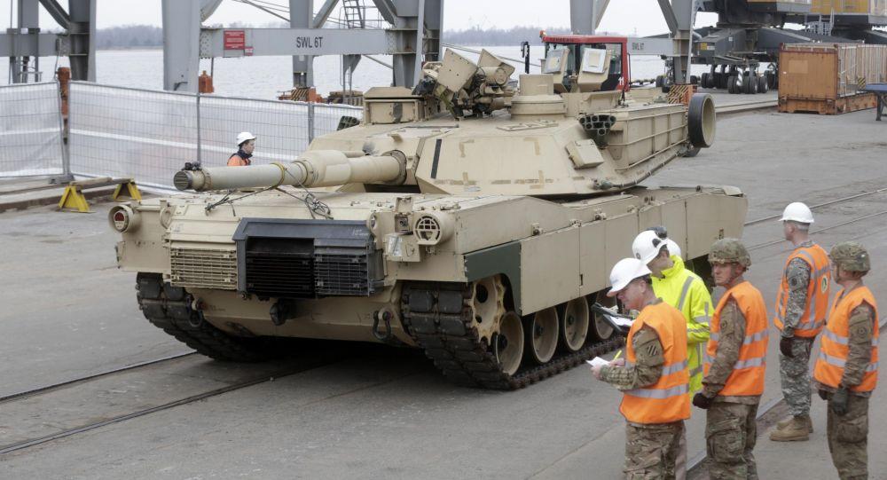 Americké tanky Abrams v Estonsku