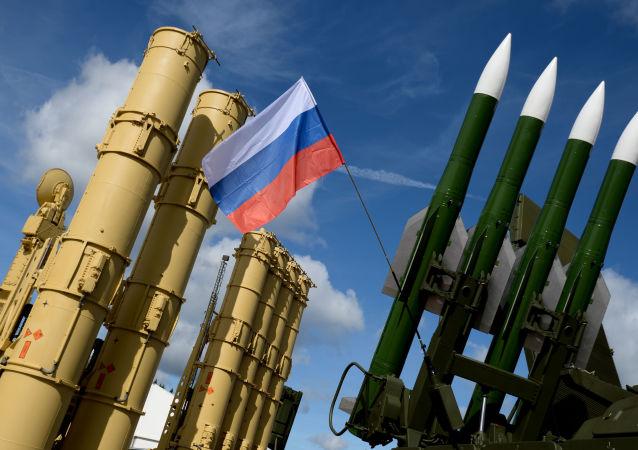 Raketový systém Antej-2500 a raketový komplet Buk-2ME
