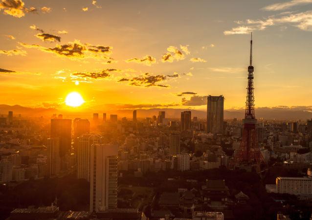 Východ slunce nad Tokiem