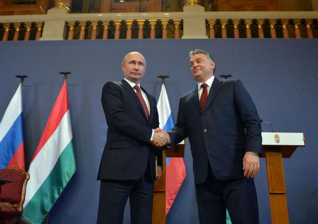 Ruský prezident Vladimir Putin a maďarský premiér Viktor Orbán