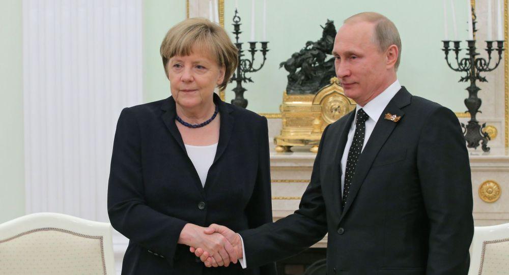 Ruský prezident Vladimir Putin s německou kancléřkou Angelou Merkelovou