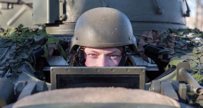 Ukázka vojenské techniky NATO v Lotyšsku
