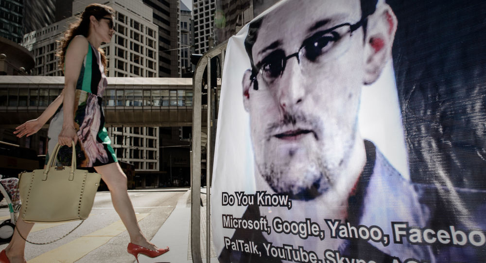 Bývalý příslušník NBA Edward Snowden