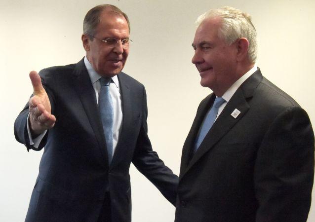 Setkání Rexa Tillersona a Sergeje Lavrova