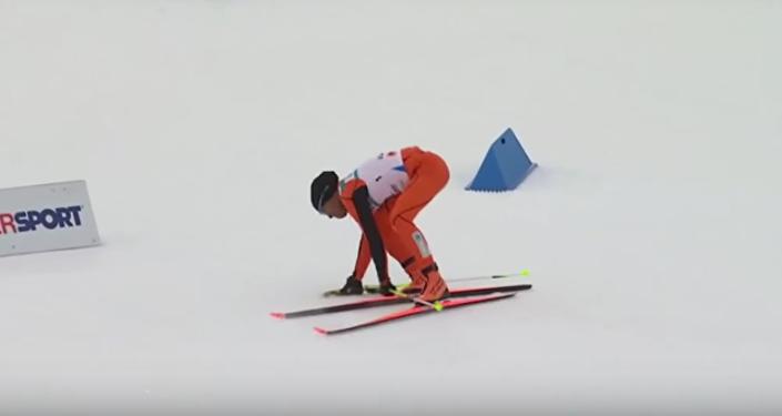 """Internet se baví """"nejhorším lyžařem na světě"""""""