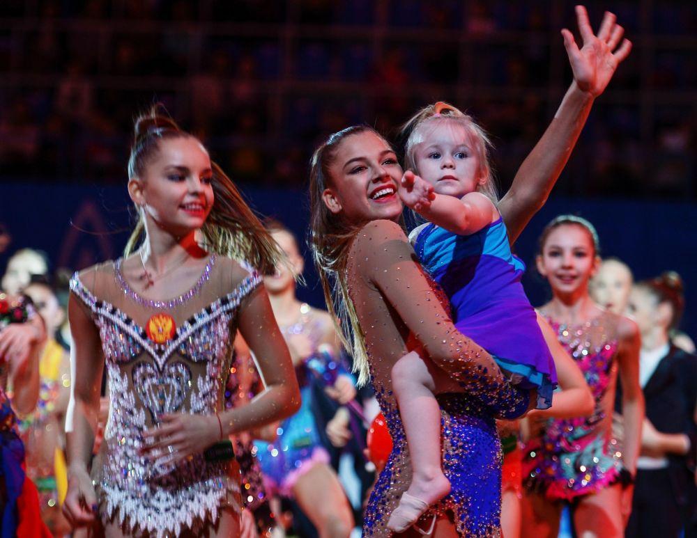Sportovkyně ruské reprezentace v umělecké gymnastice Alexandra Soldatovová během galakoncertu Grand Prix Moskvy v umělecké gymnastice