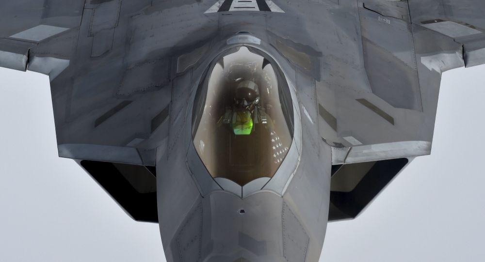 Americká stíhačka F-22 Raptor