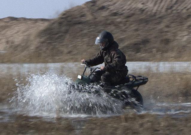 V Kaluze proběhly testy kompaktního ultralehkého terénního motocyklu