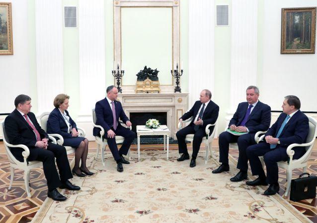 Schůzka Igora Dodona a Vladimira Putina