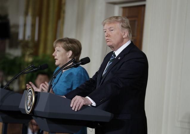 Schůzka Donalda Trumpa a Angely Merkelové