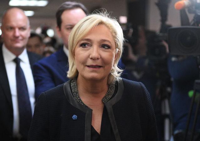 Šéfka francouzského Národního sdružení Marine Le Penová