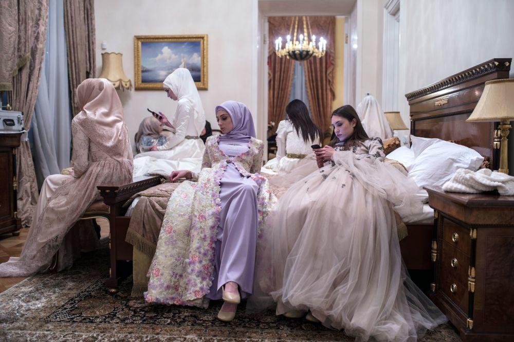 Přehlídka kolekce Domu módy Firdaws návrhářky Aišat Kadyrovové v rámci Mercedes-Benz Fashion Week Russia