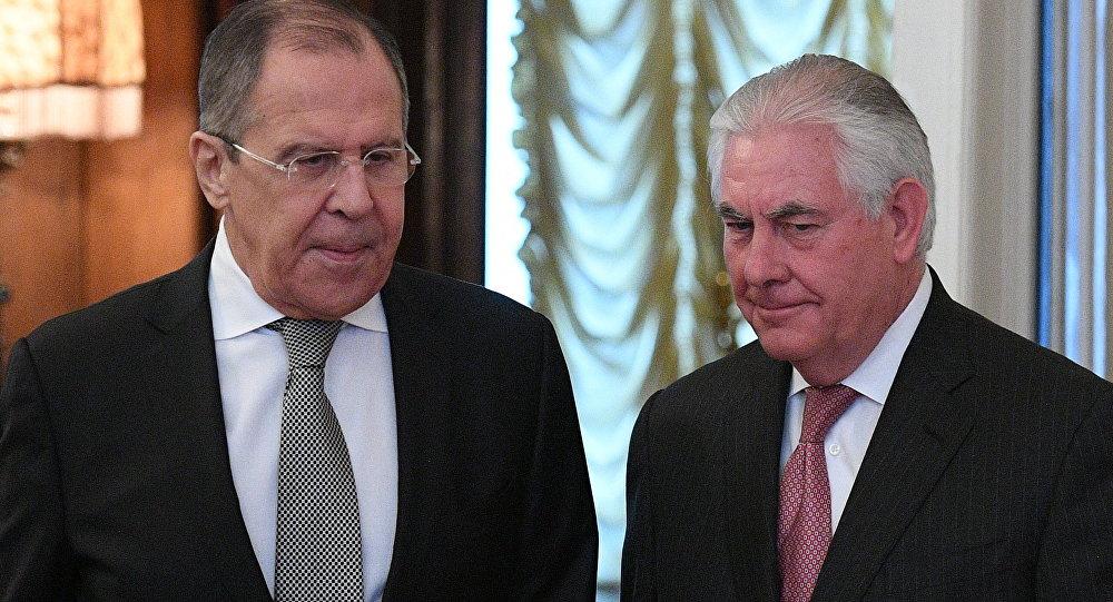 Sergej Lavrov a Rex Tillerson