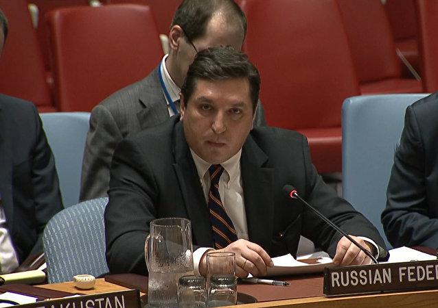 """""""Dívej se mi do očí"""": Safronkov odpověděl britskému velvyslanci při OSN"""