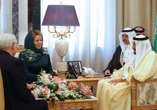 Předsedkyně ruské Rady federace Valentina Matvijenková se setkala s králem Saúdské Arábie Salmanem bin Abdulem-Aziz Al Saudem