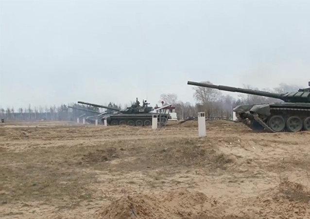 Bojové střelby T-72B3. Video