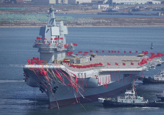 První čínská letadlová loď domácí výroby Type 001A