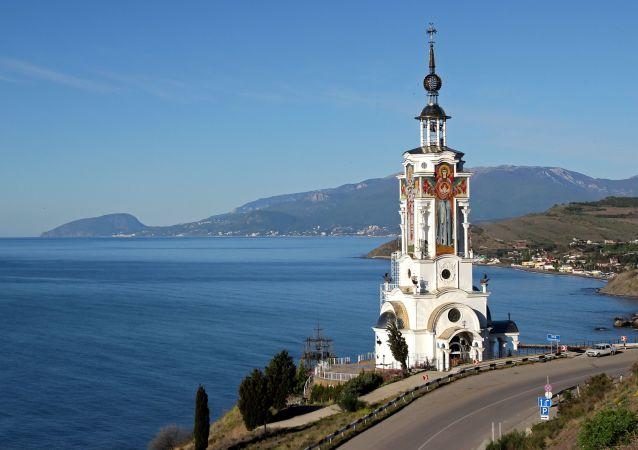 Kostel-maják sv. Mikuláše na Krymu