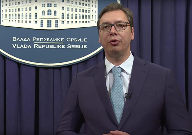 Srbský premiér blahopřál Rusům ke Dni vítězství v ruštině