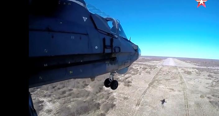 Let na ruském bitevním vrtulníku Ka-52