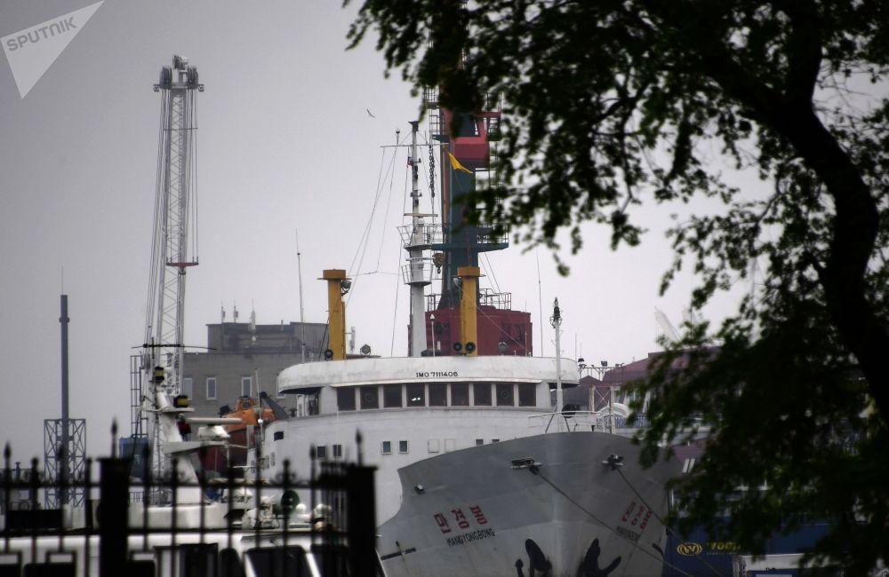 První parník z KLDR připlul do Vladivostoku