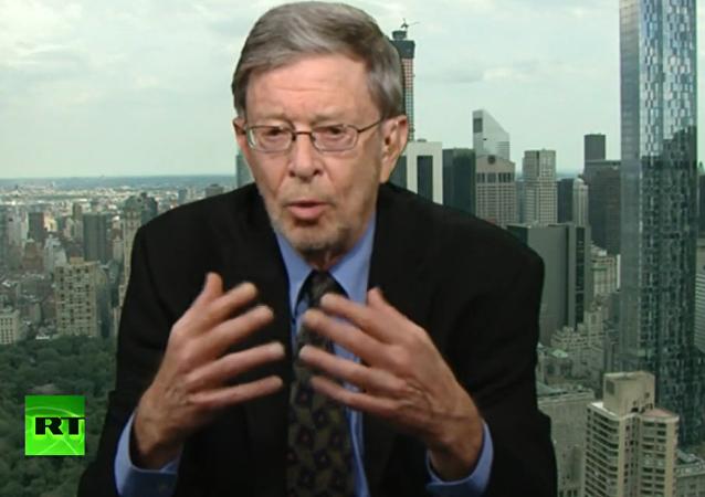 """Americký politolog mluvil o """"třech frontách nové studené války"""" mezi Ruskem a USA"""