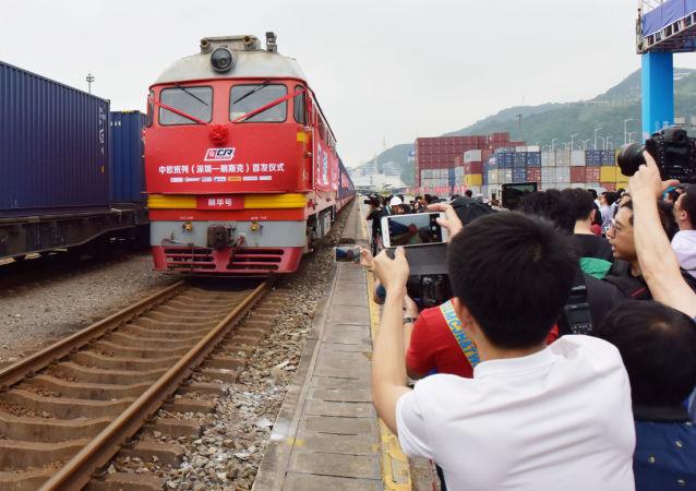 Čínský vlak mířící do Běloruska