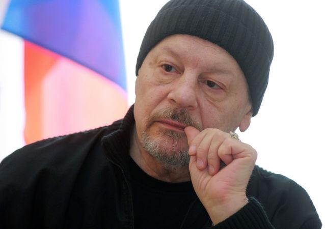 Divadelní režisér, národní umělec Ruska a vnuk Josefa Stalina Alexandr Burdonskij